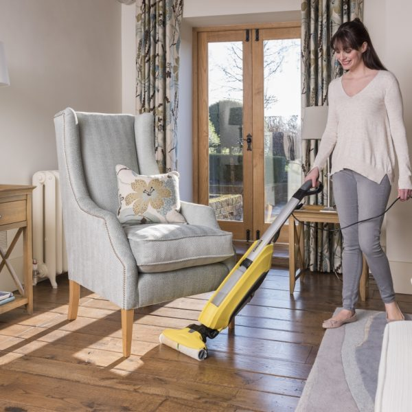 cleaning_wooden_flooring