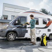 jet_washing_a_caravan