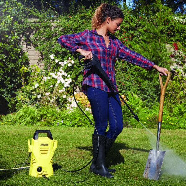 k2_compact_pressure_washer_cleaning_spade