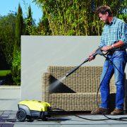 k4_compact_vario_lance_pressure_washer_cleaning_garden_furniture