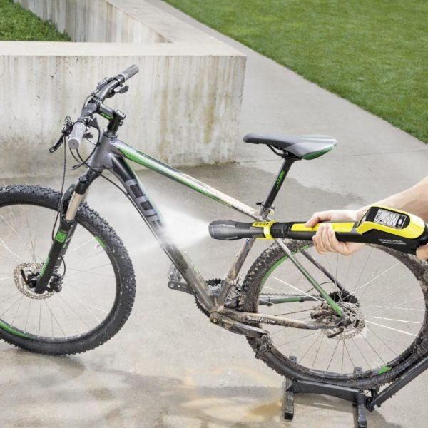 washing_a_bike